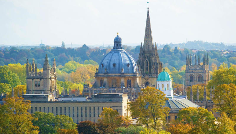 A photograph of Oxford skyline